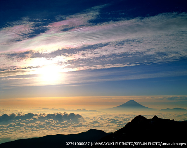 彩雲と富士山